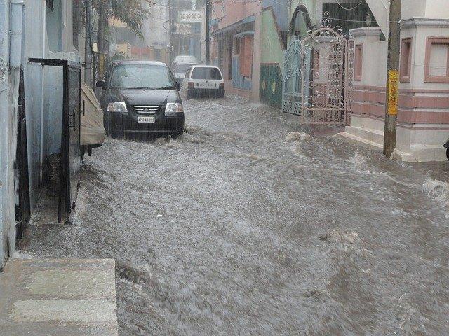 Inondations – Que faire en cas de dégâts des eaux à mon commerce ou entreprise ?